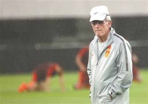 中国サッカー代表監督に復帰したリッピ、「まずはW杯アジア予選」