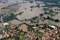 欧州中部で豪雨による洪水、14人死亡