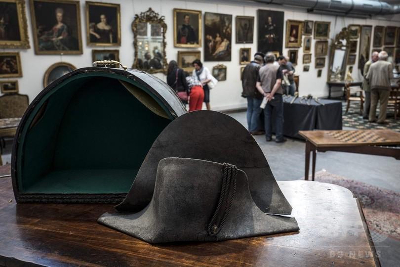 「ナポレオンの二角帽子」競売へ、ワーテルローの戦いで敵の手に?