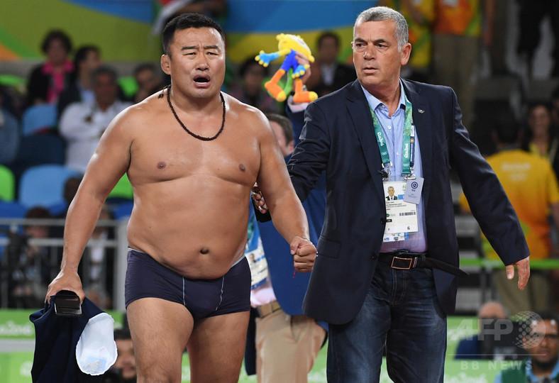 リオでパンツ一丁になったモンゴルのコーチ、3年間の資格停止処分