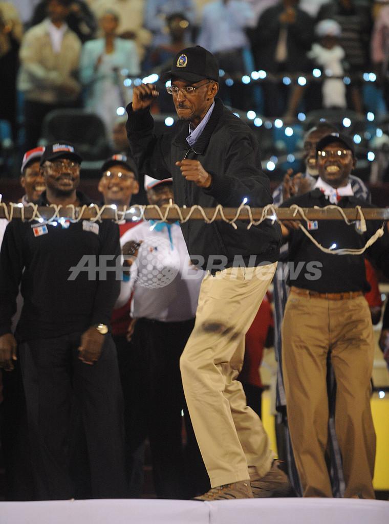 現職カガメ氏の再選確実、ルワンダ大統領選