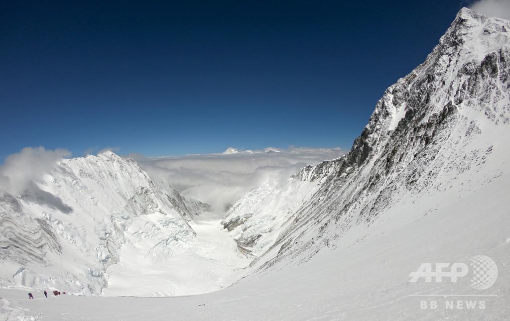 2018年春のエベレスト登頂者数、807人の新記録