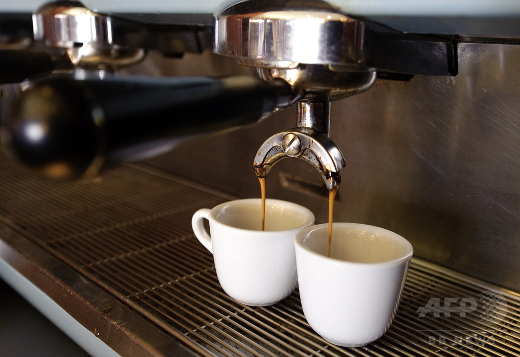 夜のコーヒーに体内時計乱す作用、米研究