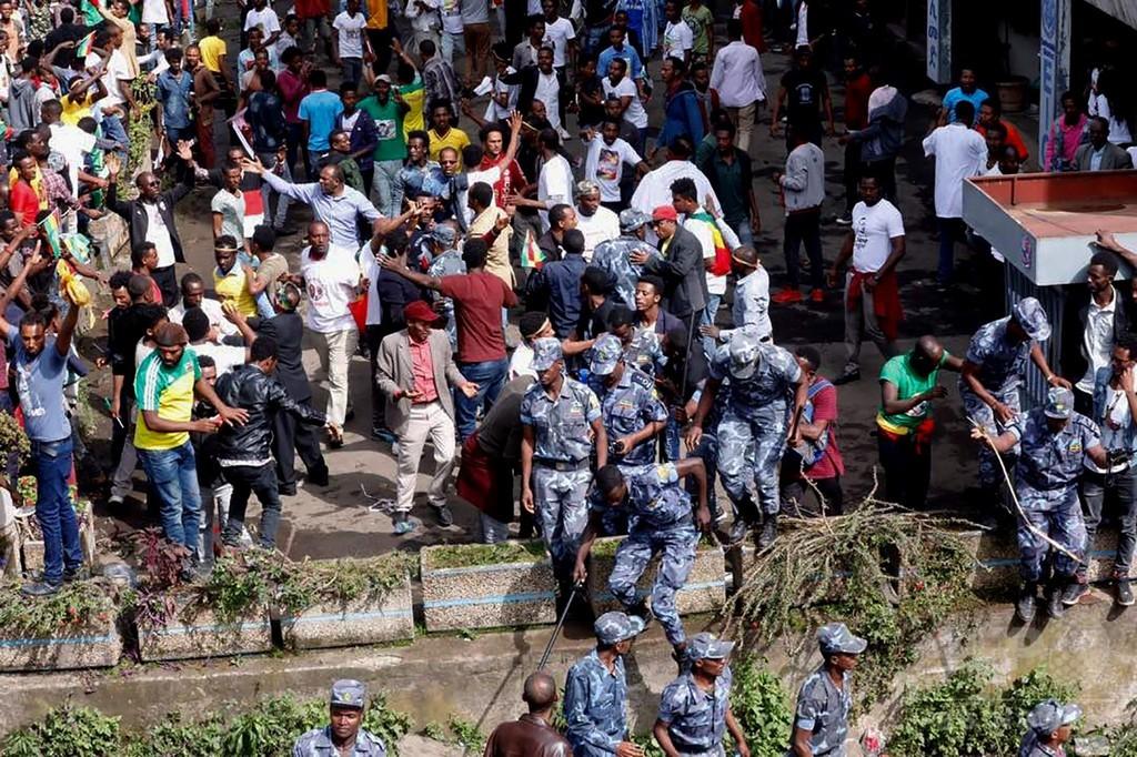 エチオピア首相の集会で手りゅう弾爆発、1人死亡 154人負傷