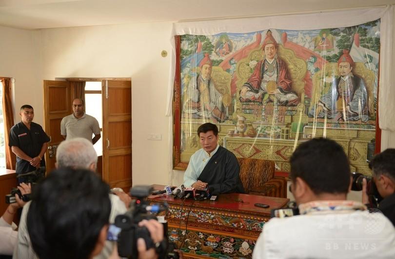 チベット亡命政府の首相選、現職のセンゲ氏が再選