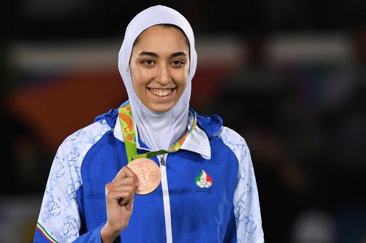 イラン女子初の五輪メダリスト、オランダに出国か 母国に衝撃