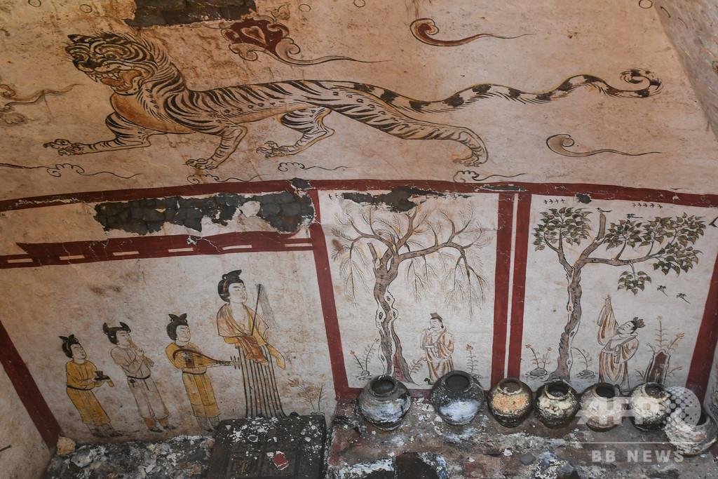 建設現場に唐時代の墓 美しい壁画がほぼ完璧に残る 太原