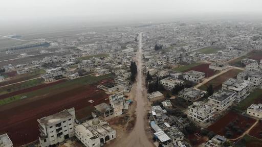 動画:廃虚と化したシリアの町、政府軍の攻撃で人影消える