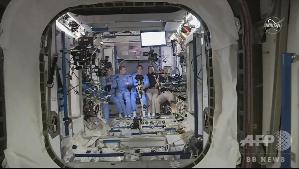 米飛行士2人、ISS入り スペースXの宇宙船クルードラゴン