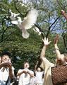 終戦記念日 多くの人が靖国神社を参拝