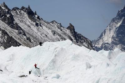 豪登山家、世界7大陸最高峰制覇 史上最短の117日で達成
