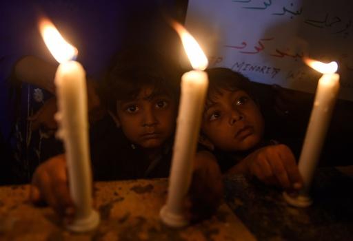 スリランカ連続爆発事件、死者290人に 負傷者500人超