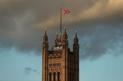 英国が合意なしにEUを離脱するとどうなる? 携帯電話やたばこにも影響が