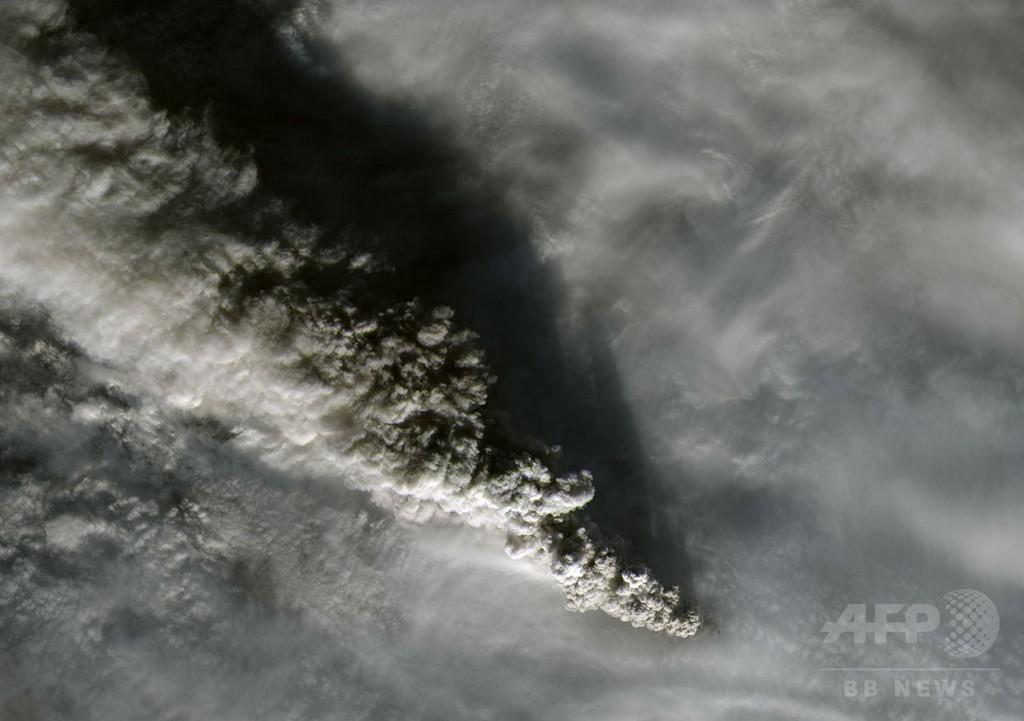 米アラスカのパブロフ山が噴火、小康状態も警戒