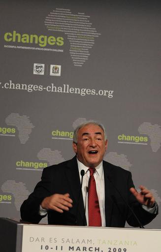 IMF専務理事、09年の世界経済「マイナス成長に」