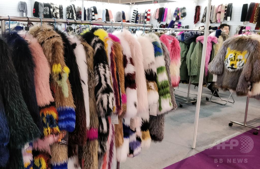 動物愛護団体に勝機、相次ぐ高級ブランドの毛皮使用廃止で