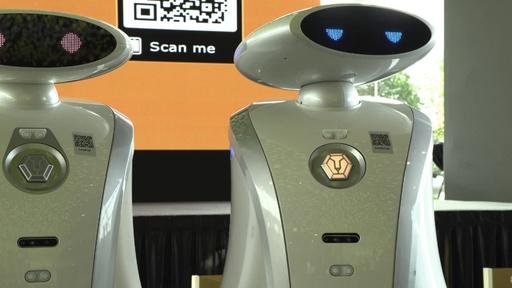 動画:歌ってしゃべれる掃除ロボット、シンガポール各地に300台導入へ