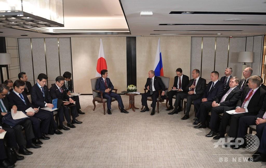 安倍首相、プーチン大統領と会談 平和条約交渉の加速で合意