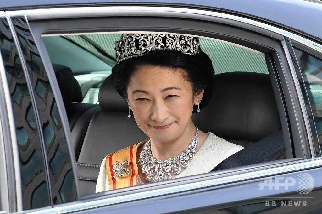 新天皇陛下、剣璽等承継の儀で神器受け継ぐ