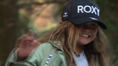 動画:日本最年少プロスケートボーダー、9歳少女が目指す東京五輪