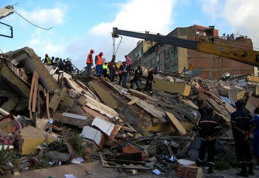 アンゴラの警察ビルが倒壊、3人死亡