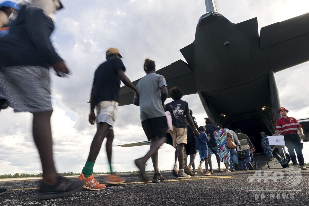 オーストラリアに「極めて破壊的な」サイクロン2つ、住民ら避難