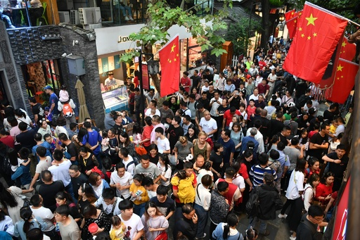 国慶節で消費が大幅増、消費が中国経済を引っ張る