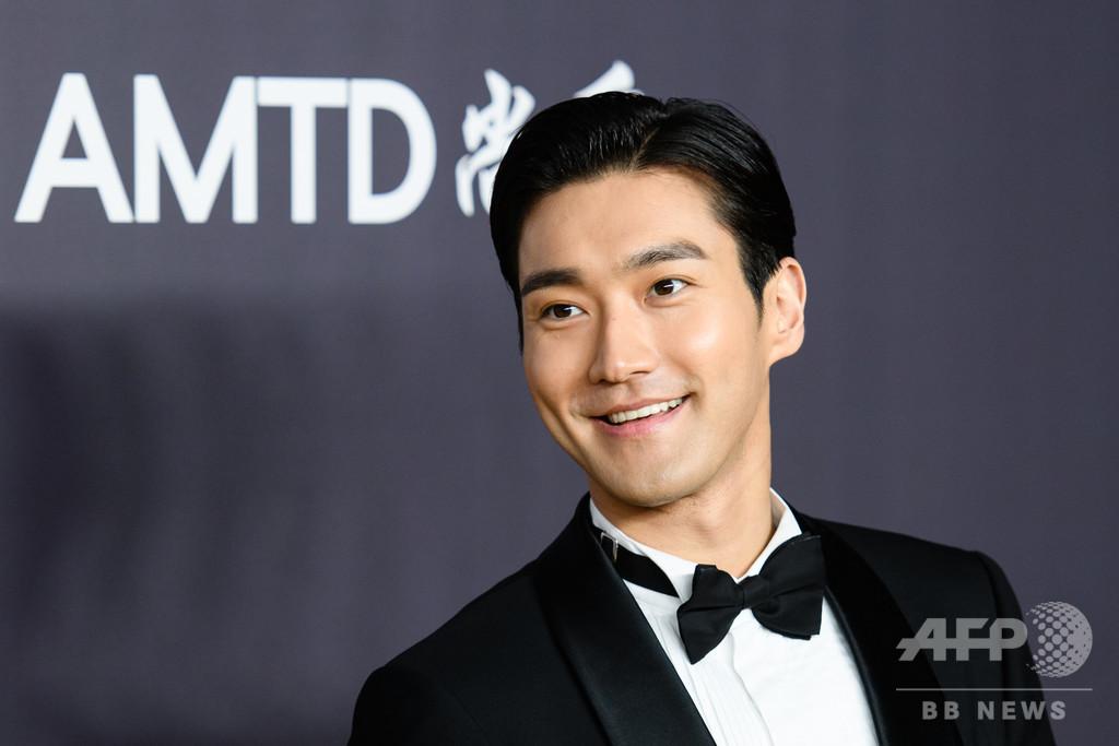 韓国人気歌手、香港デモツイートに「いいね」 中国で非難殺到