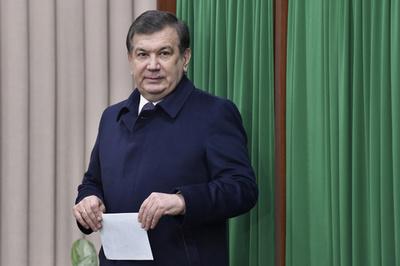 ウズベキスタン大統領選、ミルジヨエフ大統領代行が圧倒的勝利