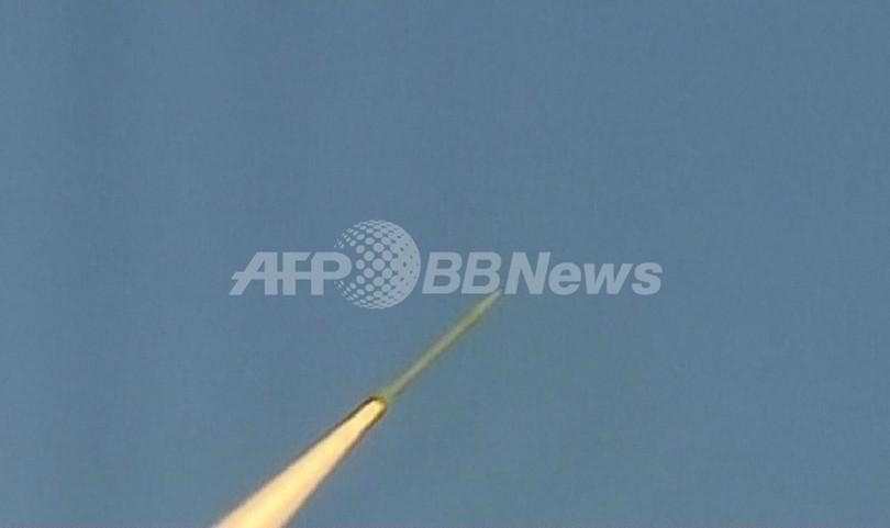 イラン、短距離ミサイル3発を試射