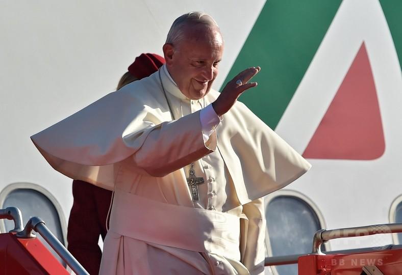 「キリスト教徒は同性愛者に謝罪するべき」、ローマ法王