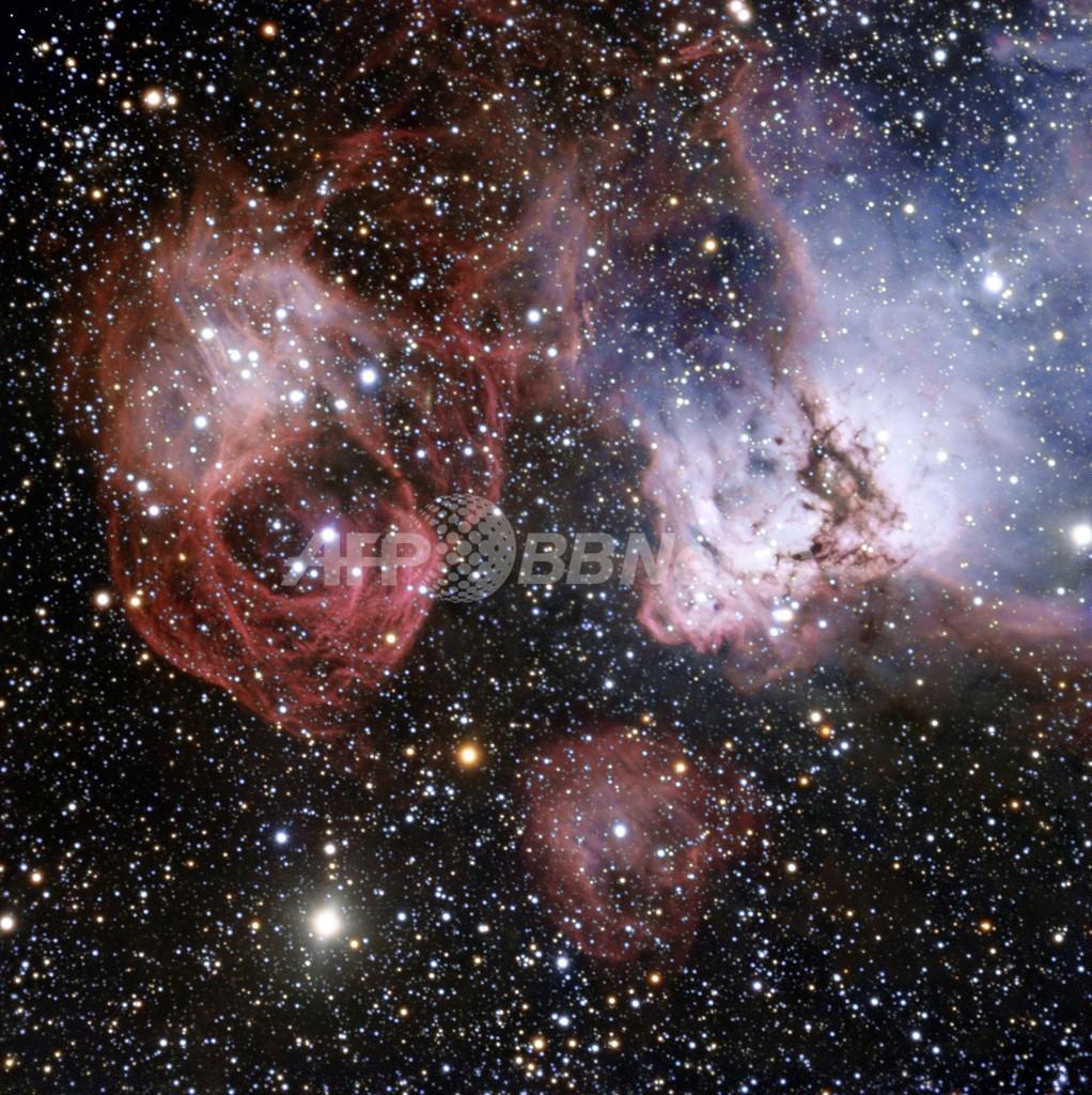 死んだ星の隣で誕生する星たち、大マゼラン雲の最新画像
