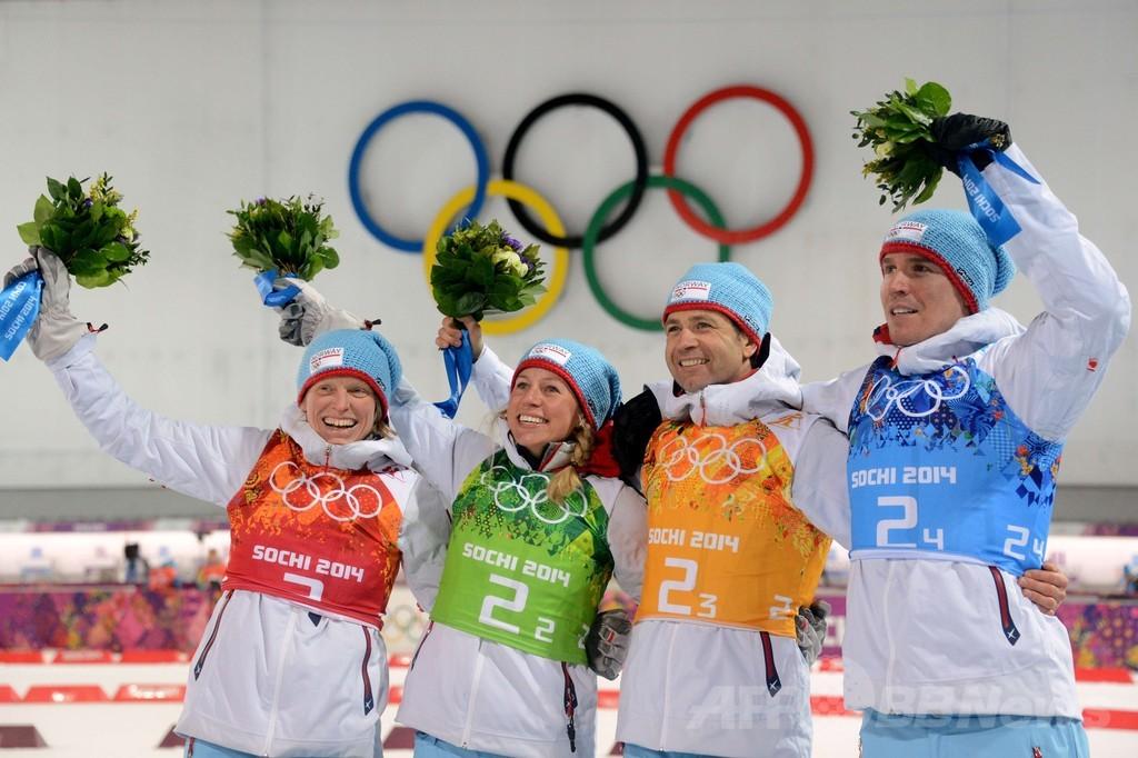 ノルウェーが混合リレーで金、ビョルンダーレンがメダル獲得数で冬季五輪新 ソチ五輪
