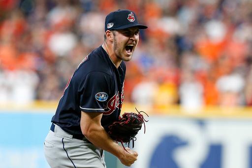 乱調のインディアンス投手がスタンドにボール投げる暴挙、後に謝罪