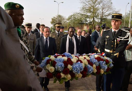 オランド仏大統領、軍事介入のマリを訪問