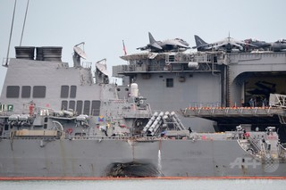 米海軍、衝突事故起こした駆逐艦艦長らを解任 「信頼失った」