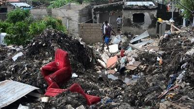動画:ごみ山が崩落、17人死亡 モザンビーク首都