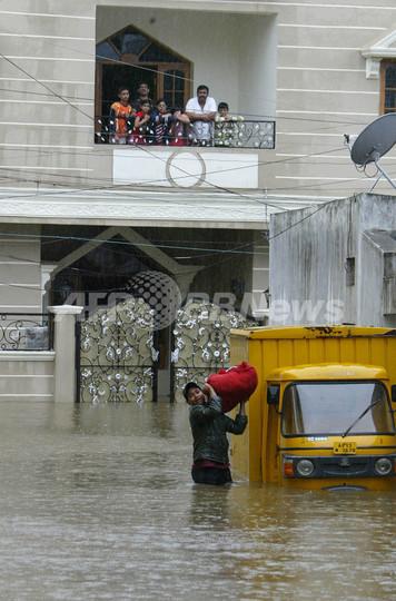 インド南部、大雨で40人死亡