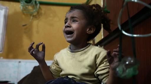 動画:シリア政府軍の空爆で519人死亡、うち127人は子ども