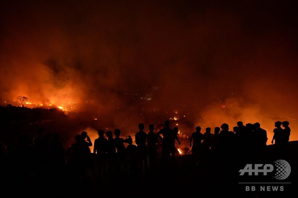 バングラ首都のスラムで火災、住民1万人が焼け出される
