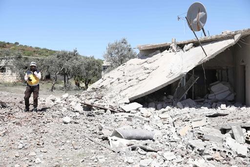 シリア北西部で100回以上の空爆、子ども2人含む民間人9人死亡