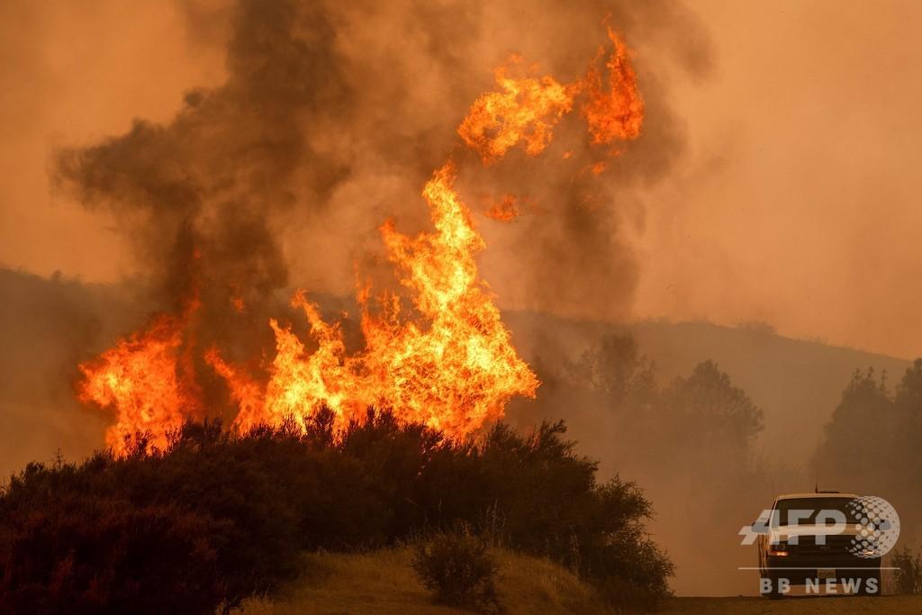 米カリフォルニア州の山火事、死者8人に 被害規模は州史上6番目