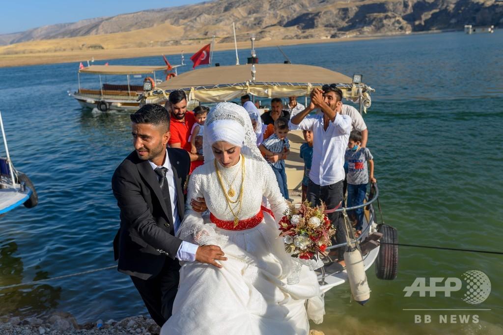 ダム建設で水没の古都、新しい観光地への模索 トルコ