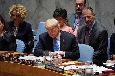 トランプ氏、安保理で初の議長 対イラン強硬策に反発受ける