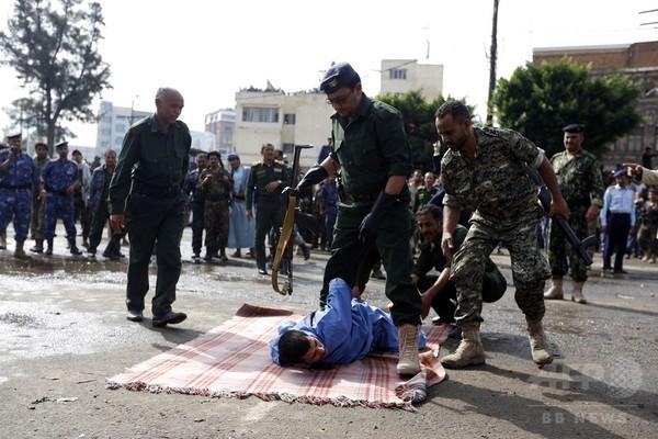 内戦下のイエメン、4歳女児のレイプ殺人で男を公開処刑