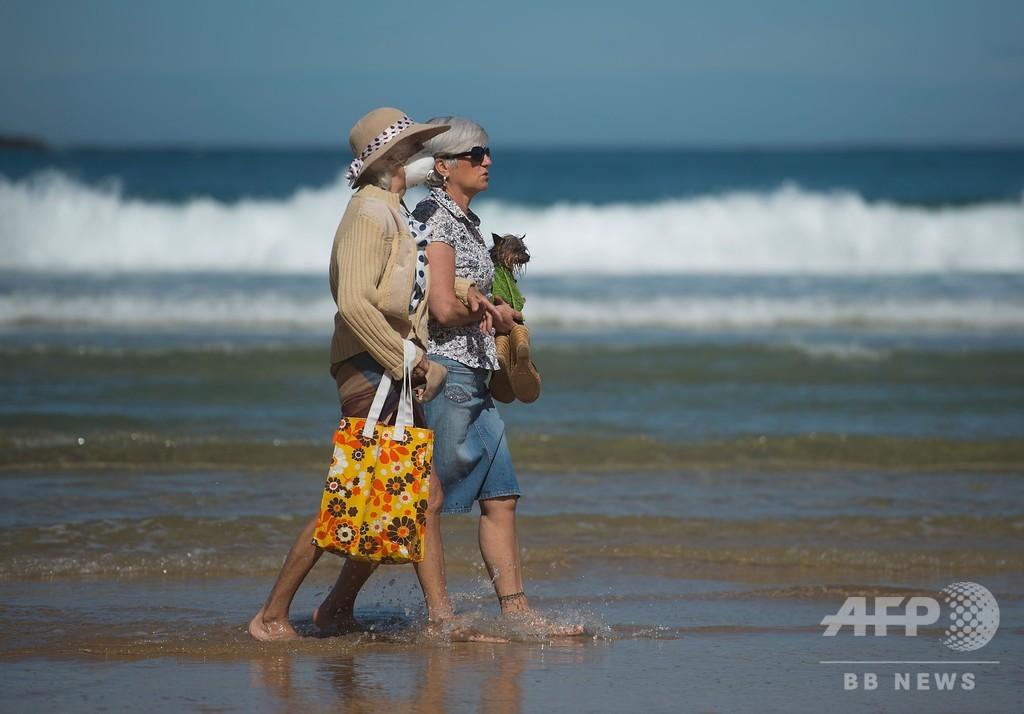 日光浴は距離を保って…観光大国スペイン、新型コロナ後の復活模索