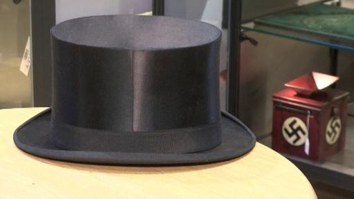 動画:ヒトラーの帽子に600万円、独ナチス競売で高額落札続出 国内外から非難