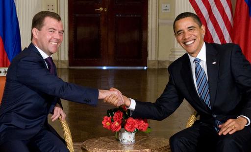 米露、核軍縮で新条約の交渉開始を発表 関係改善へ一歩