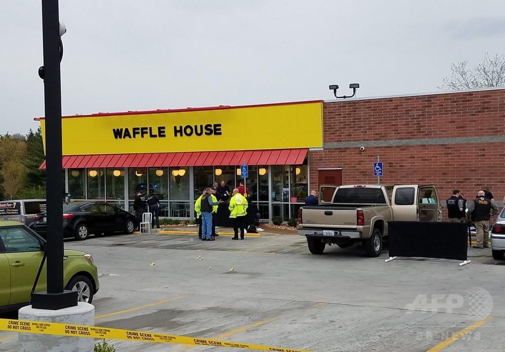 米南部のレストランで半裸の男が銃乱射、依然逃走中 4人死亡