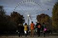 パリの大観覧車、「歴史的景観」保護のため撤去へ